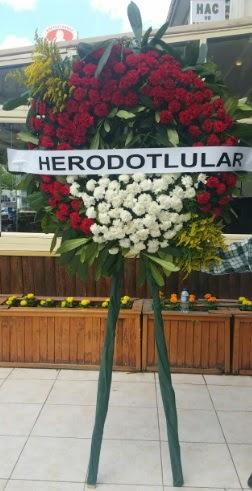 Cenaze çelengi cenazeye çiçek modeli  Bayburt çiçek satışı