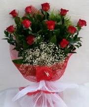 11 adet kırmızı gülden görsel çiçek  Bayburt çiçek satışı