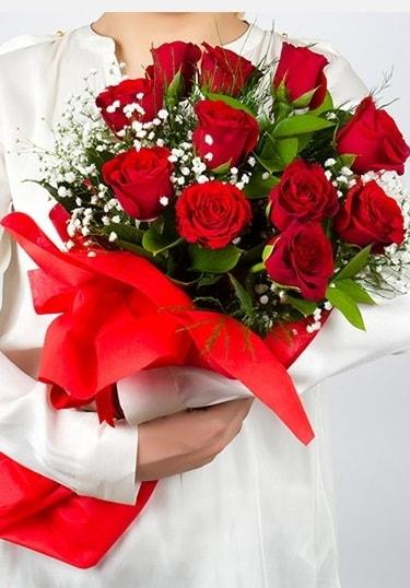 Aşk Gülleri 11 Adet kırmızı gül buketi  Bayburt çiçekçi telefonları