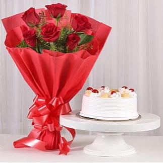 6 Kırmızı gül ve 4 kişilik yaş pasta  Bayburt çiçek , çiçekçi , çiçekçilik