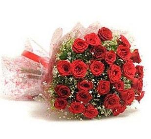 27 Adet kırmızı gül buketi  Bayburt ucuz çiçek gönder