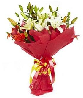 5 dal kazanlanka lilyum buketi  Bayburt çiçek gönderme sitemiz güvenlidir