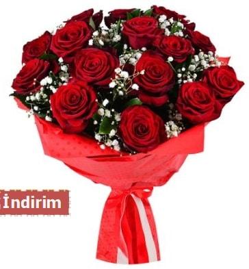 12 Adet kırmızı aşk gülleri  Bayburt çiçek satışı