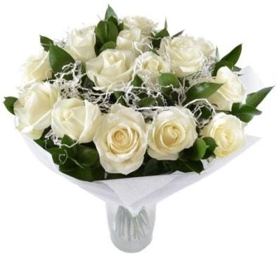 15 beyaz gül buketi sade aşk  Bayburt çiçek satışı